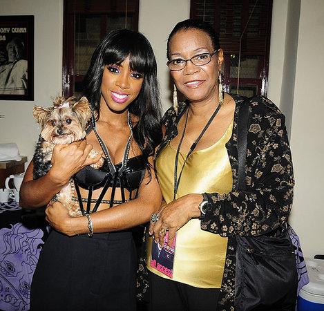 Kelly-and-her-mom-Doris-Rowland