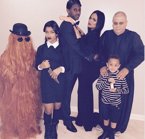 emily-b-fabouloys-adama-family-halloween-2014-tp